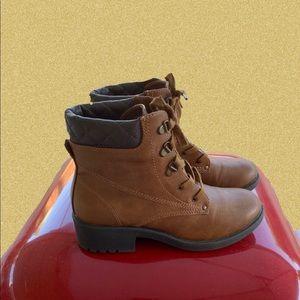 NEW Winter heeled booties 7 1/2